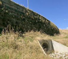 Construction of large MSE retaining wall